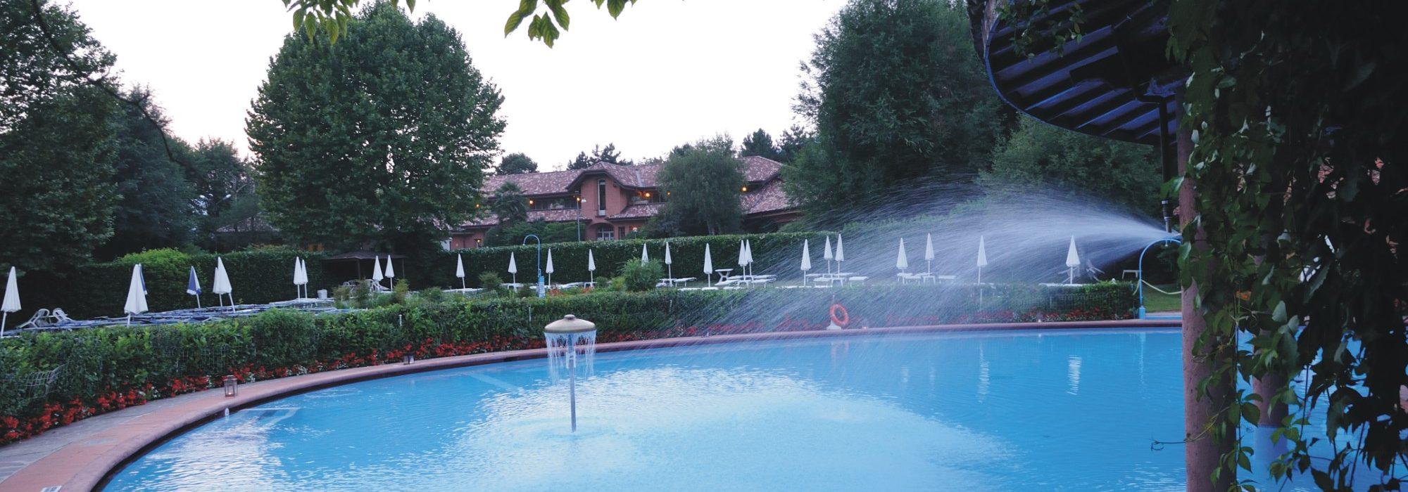 Piscina giochi d 39 acqua banner la casupola - Bosisio parini piscina ...